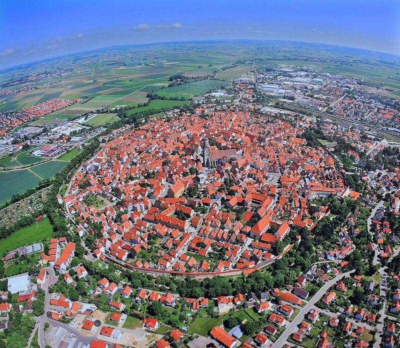 【画像】ドイツにめっちゃアニメに出てきそうな街があってワロタwwwwwww